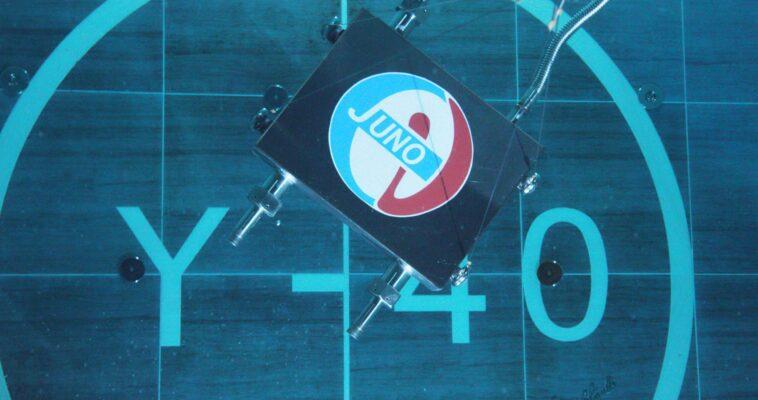 JUNO-at-Y-40-Underwater-box-fondo-01small
