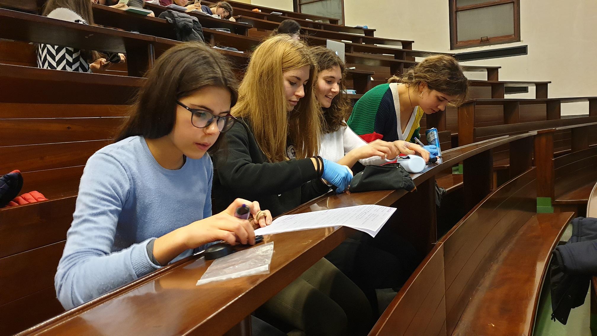 studenti dei licei durante i seminari Radiolab