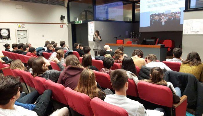 Alessia Saggio ad una conferenza publica
