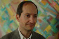 Tommaso Dorigo è un ricercatore INFN con vasta esperienza in analisi dati e metodi statistici avanzati per la fisica agli acceleratori di particelle. Ha ideato il progetto AMVA4NewPhysics per rispondere all'esigenza di tenere la ricerca in fisica al passo dei più moderni strumenti di analisi, un campo in rapida evoluzione verso tecniche di intelligenza artificiale.